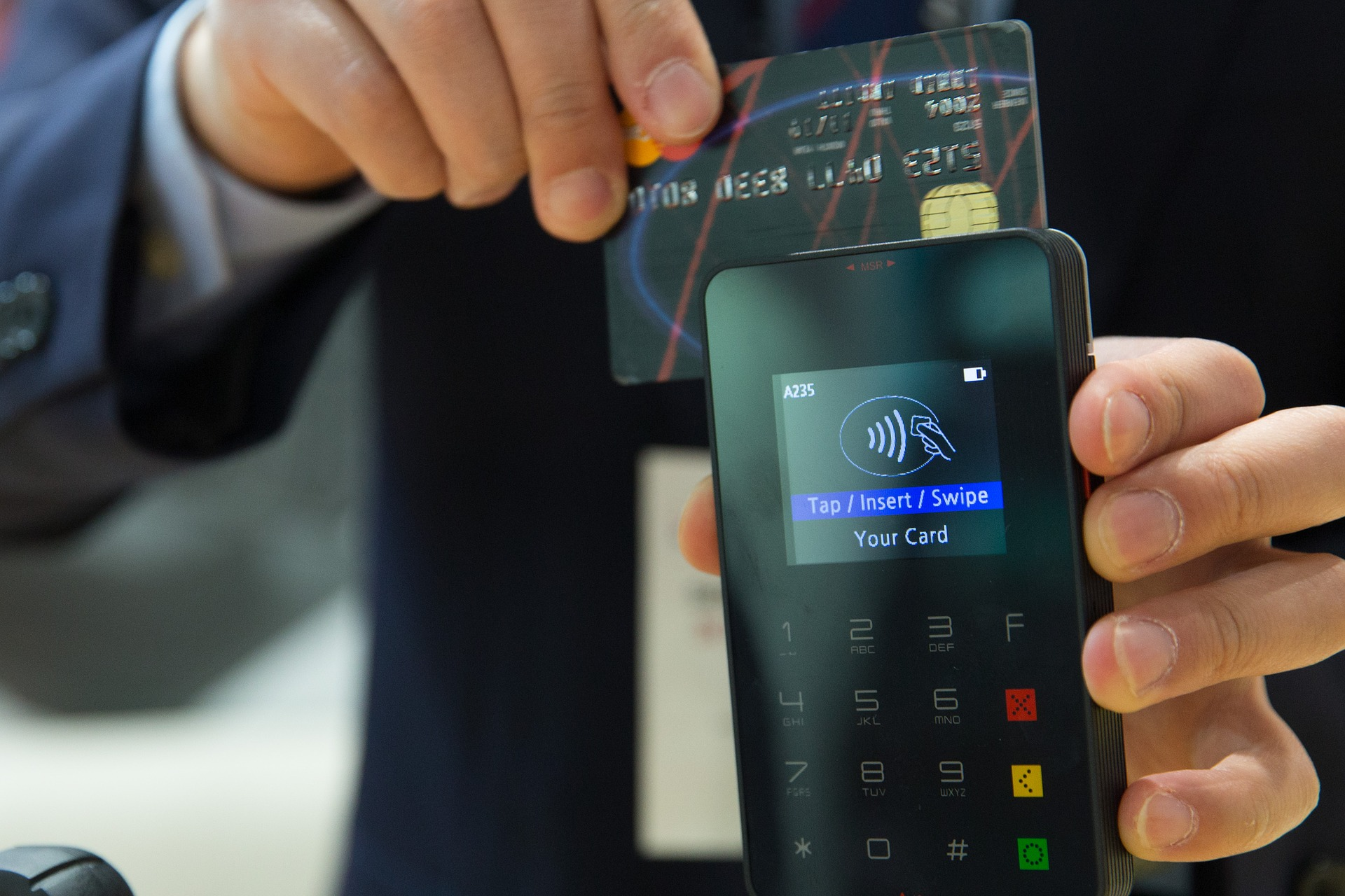 4 Benefits to owning a pinless debit card